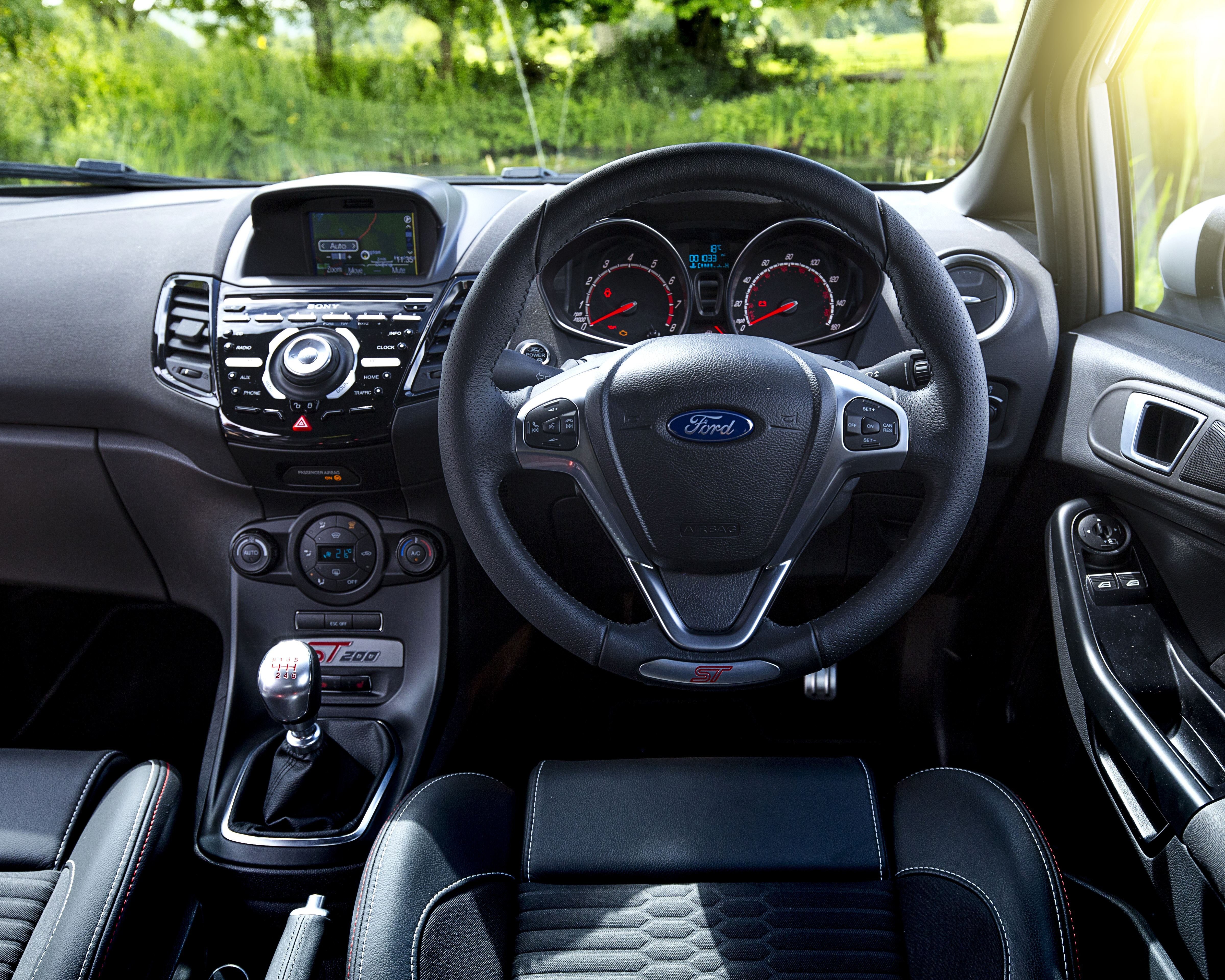 Ford Fiesta ST Review | carwow