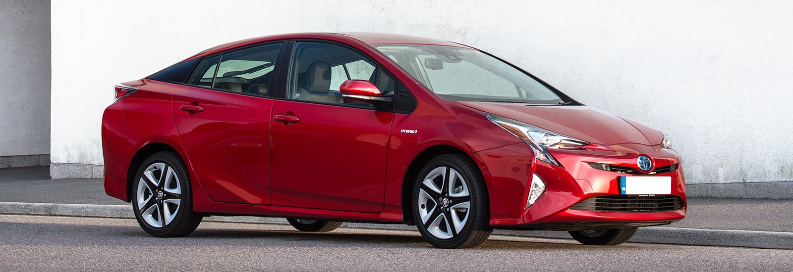 toyota prius red front