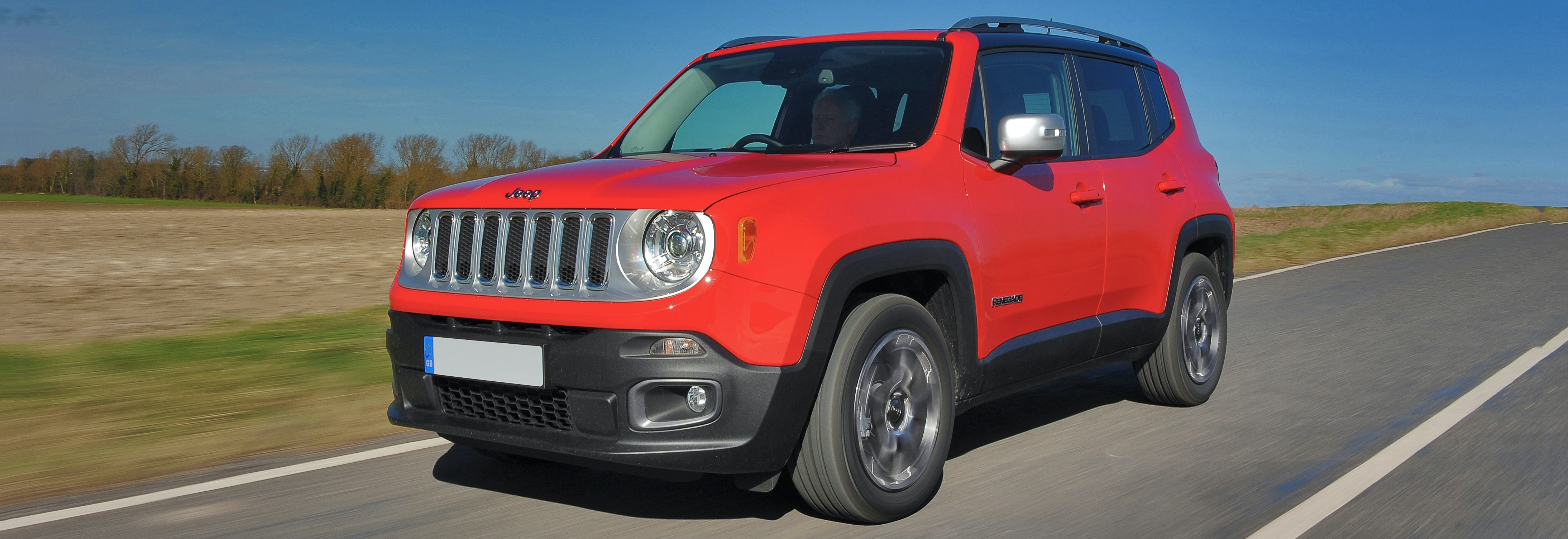 2018 jeep renegade red driving front
