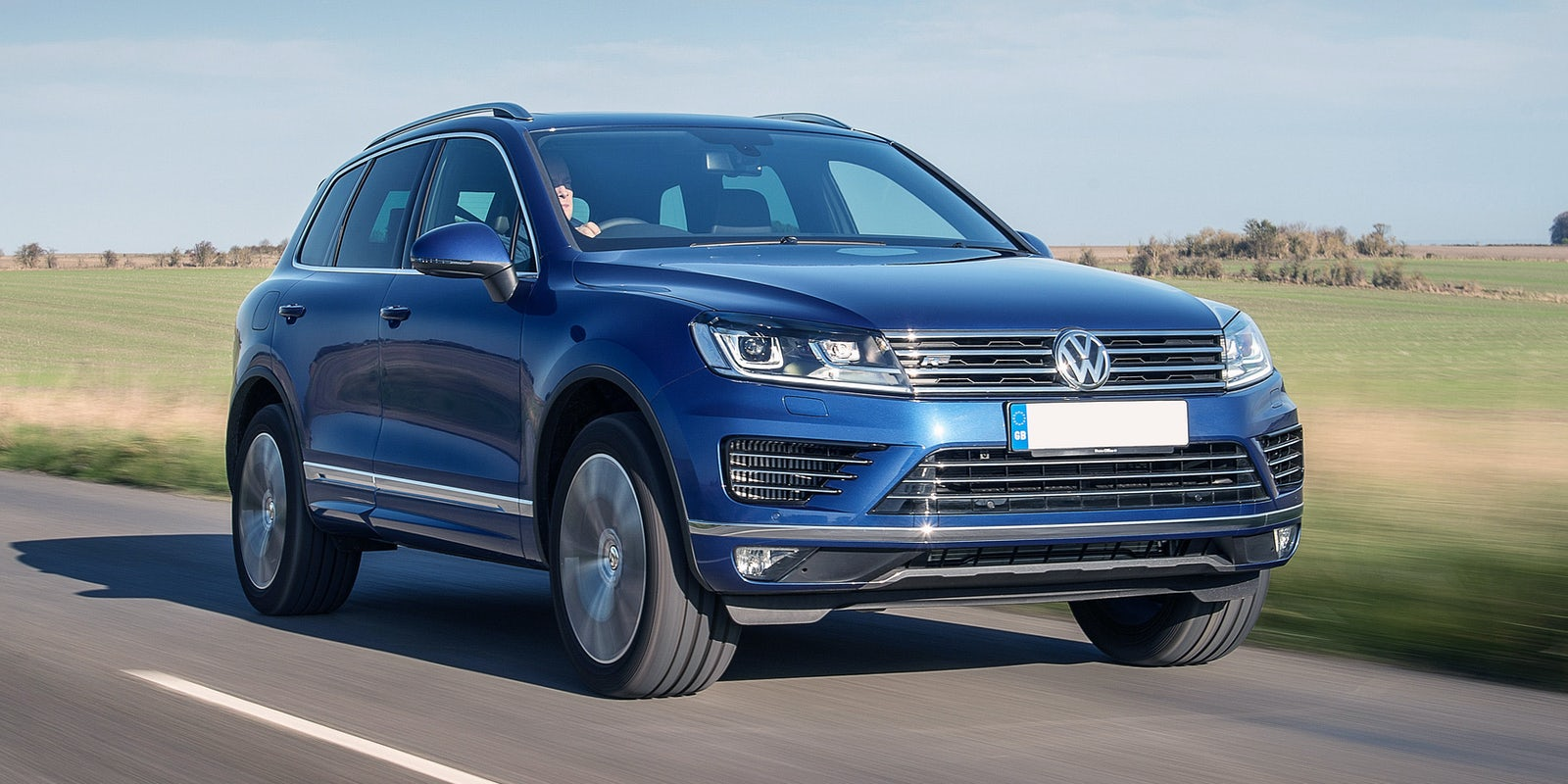 volkswagen touareg review carwow. Black Bedroom Furniture Sets. Home Design Ideas