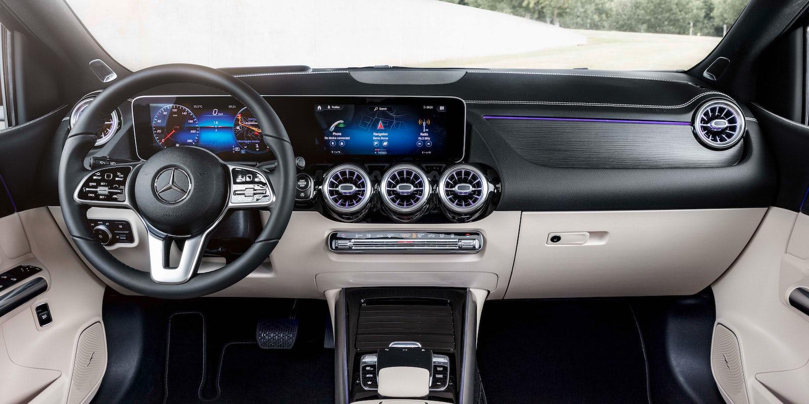 Mercedes B-Class Interior & Infotainment | carwow