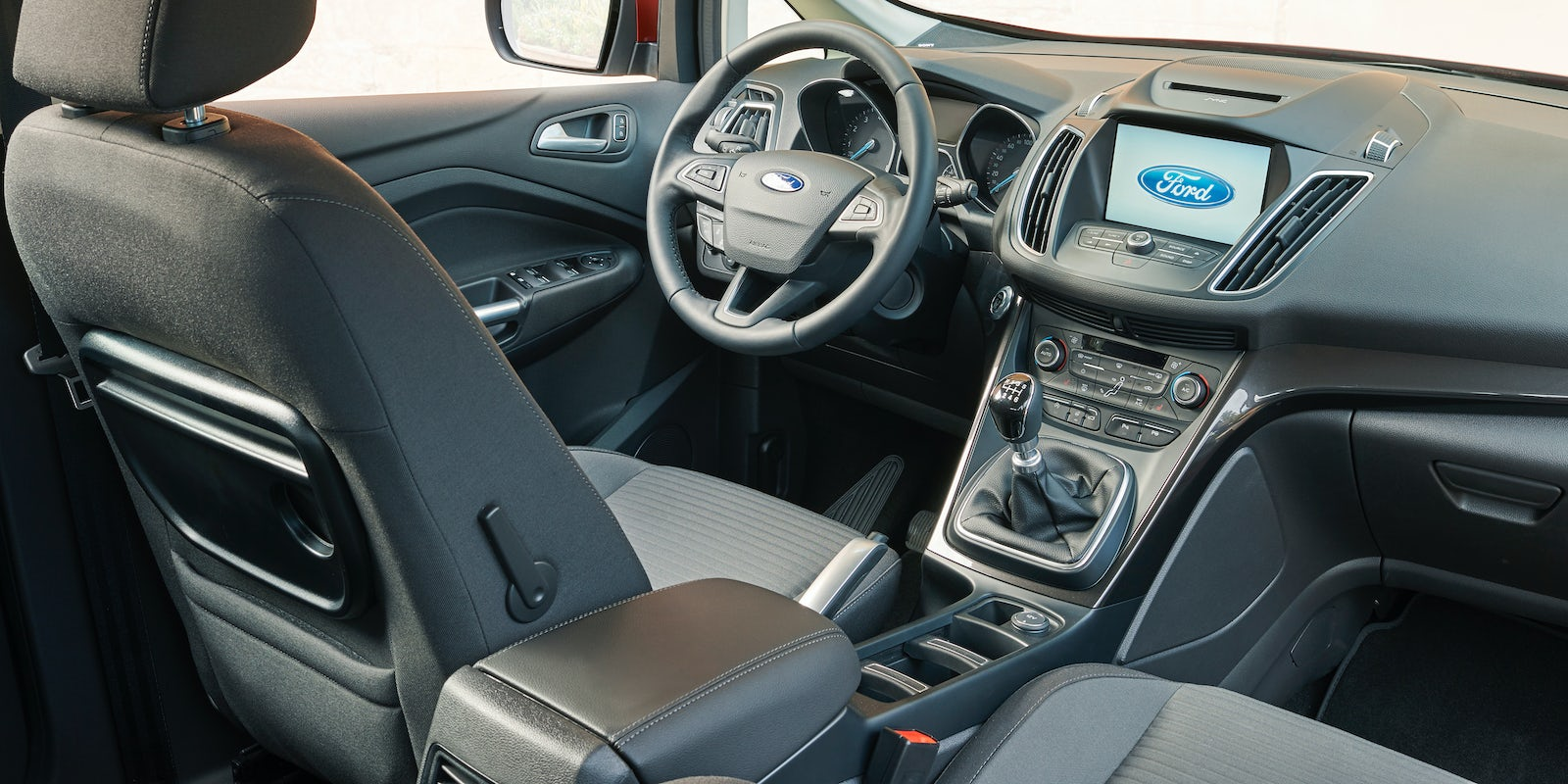 ford c max interior and infotainment carwow. Black Bedroom Furniture Sets. Home Design Ideas