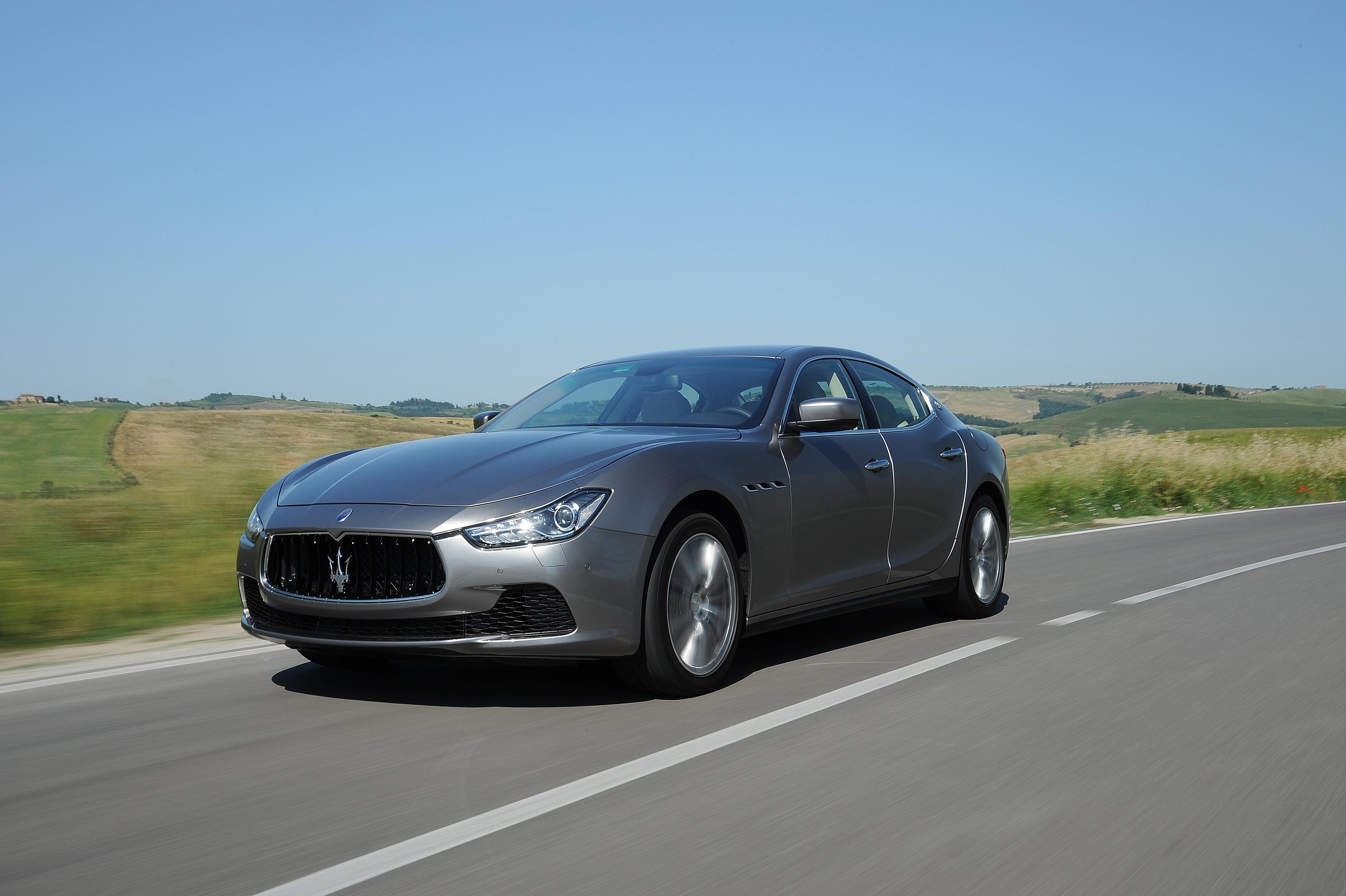 100 Maserati Ghibli Blue