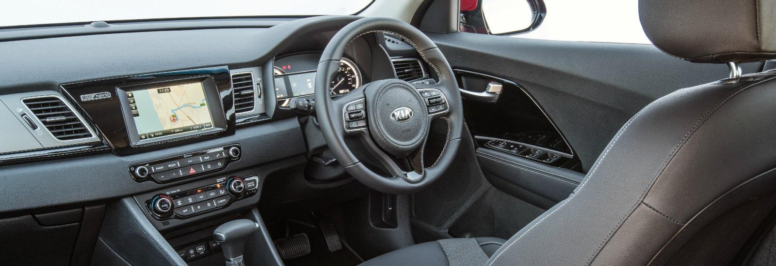Kia niro hybrid suv size and dimensions guide carwow - Kia niro interior ...