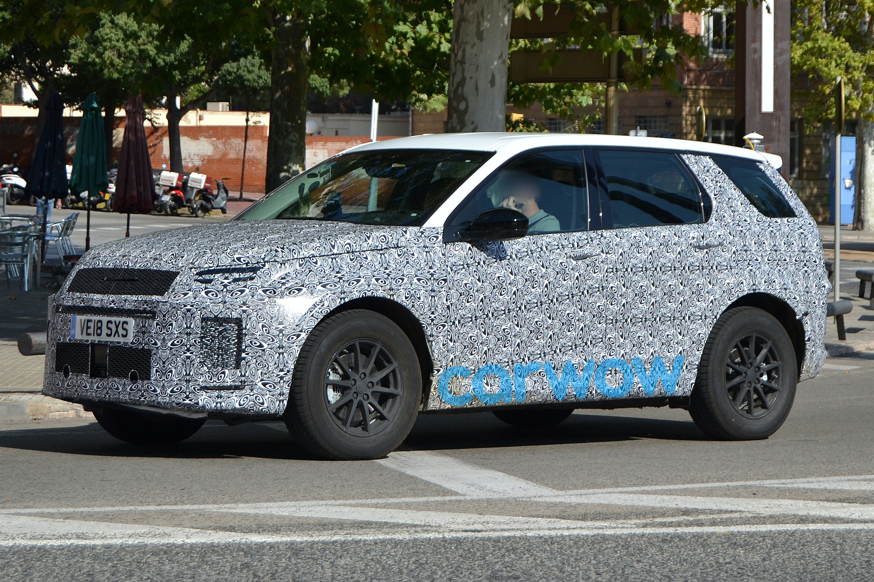 Land Rover Discovery Sport >> 2019 Land Rover Discovery Sport | price, specs and release date | carwow