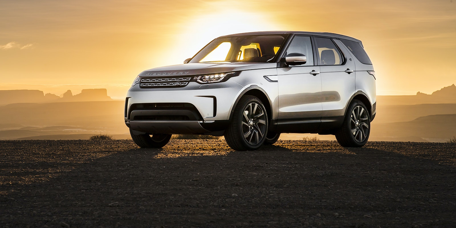 Land rover discovery header 2.jpg?ixlib=rb 1.1