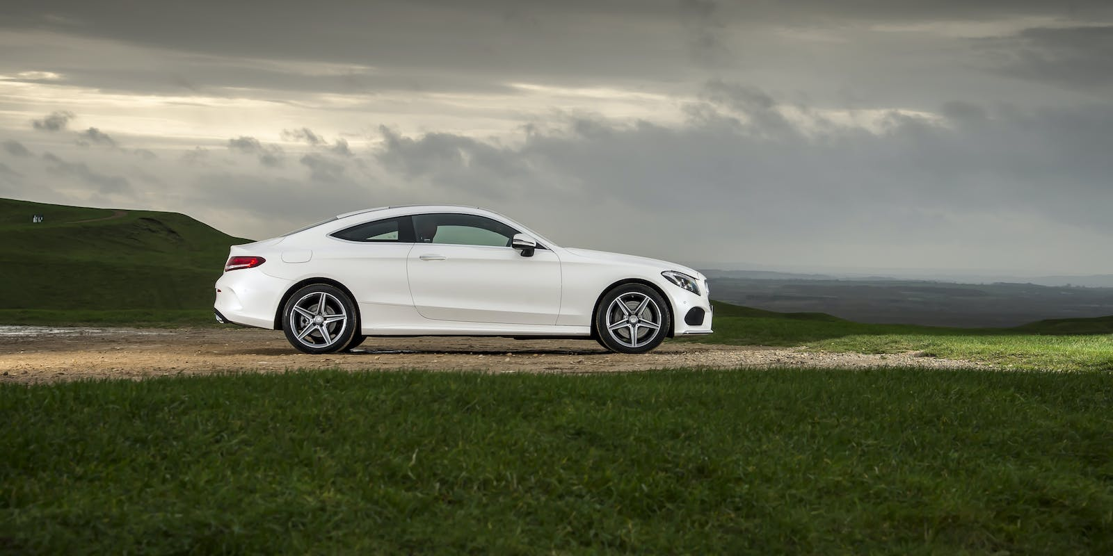 Mercedes c class coupe review carwow - Mercedes c class coupe specifications ...