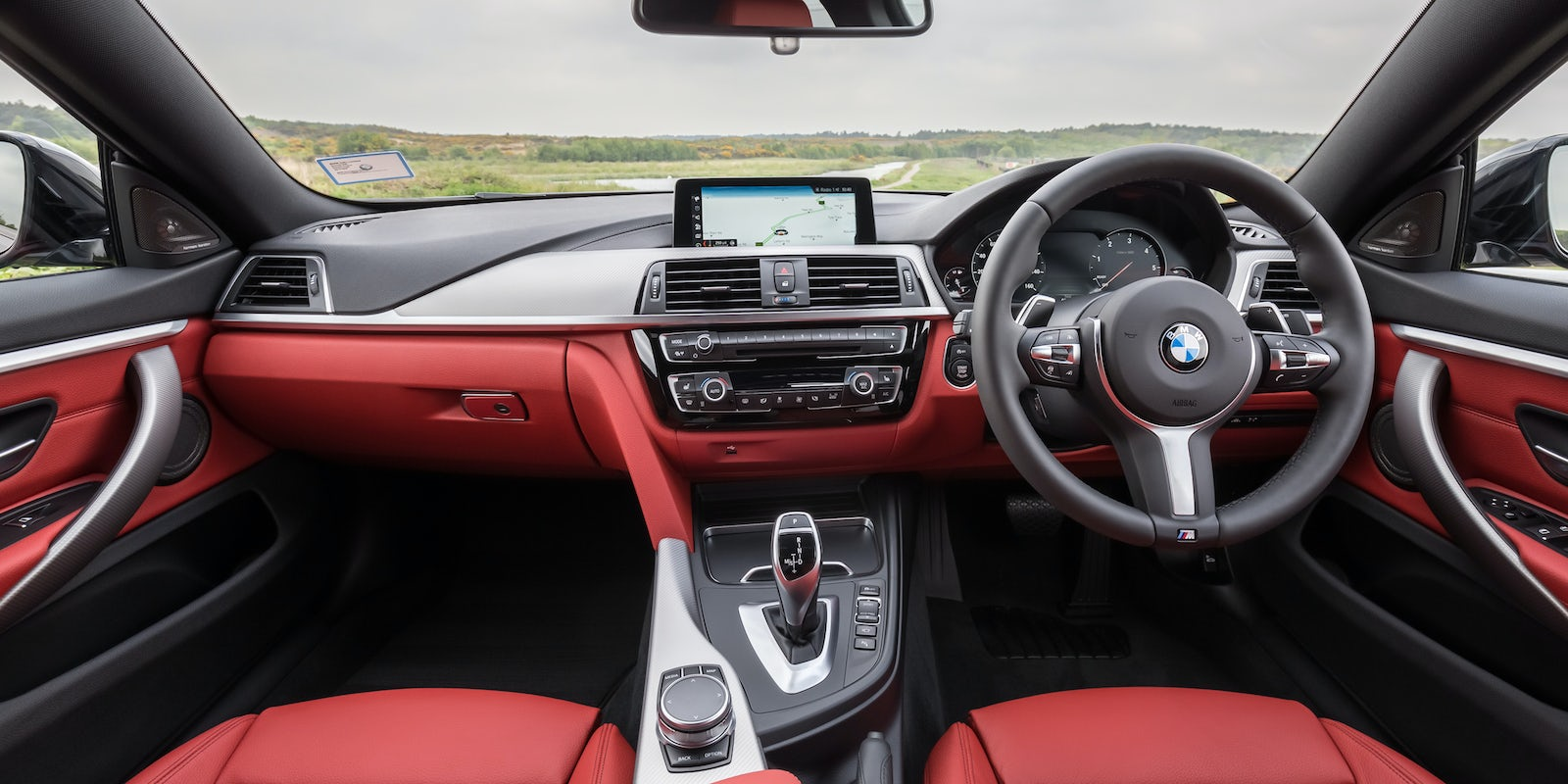 BMW Series Interior And Infotainment Carwow - Bmw 4 series interior
