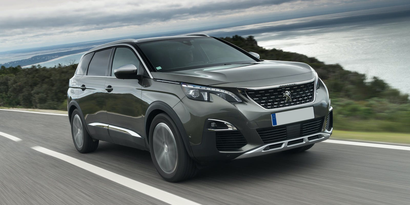 Peugeot 5008 2017 Review Carwow