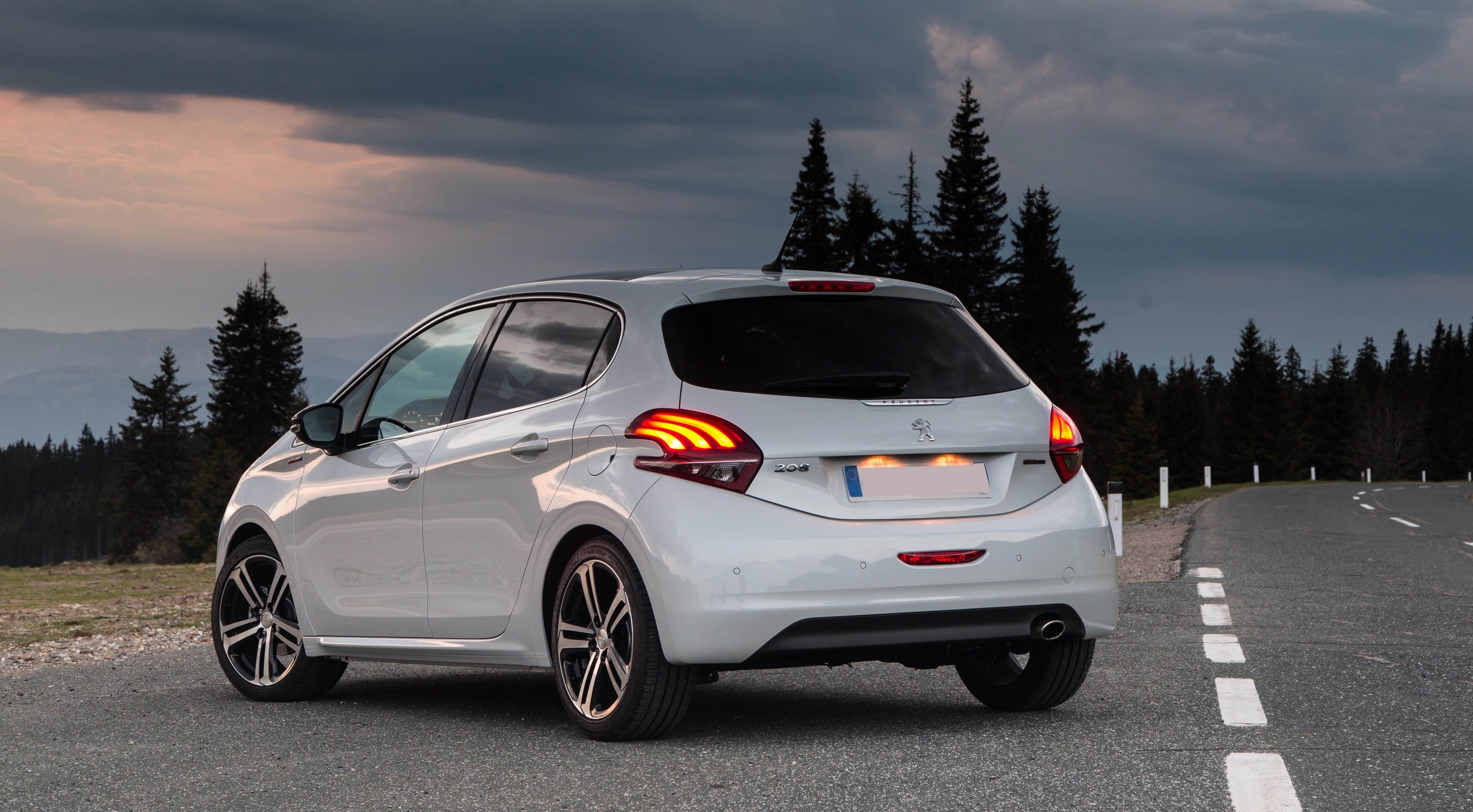 Peugeot 208 Specifications Carwow