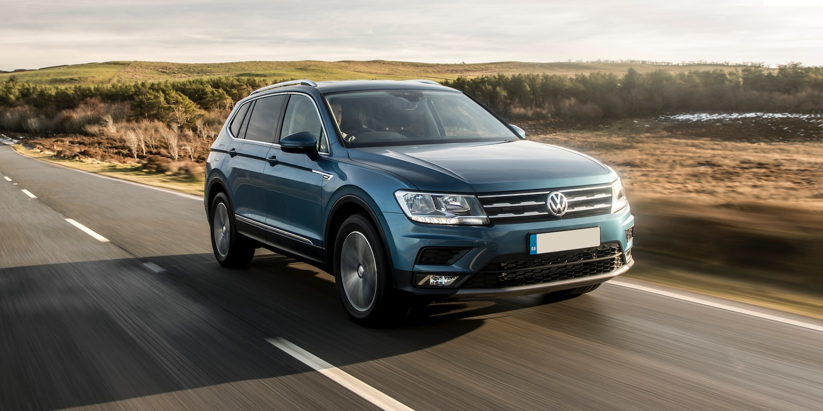 new volkswagen tiguan allspace review carwow. Black Bedroom Furniture Sets. Home Design Ideas