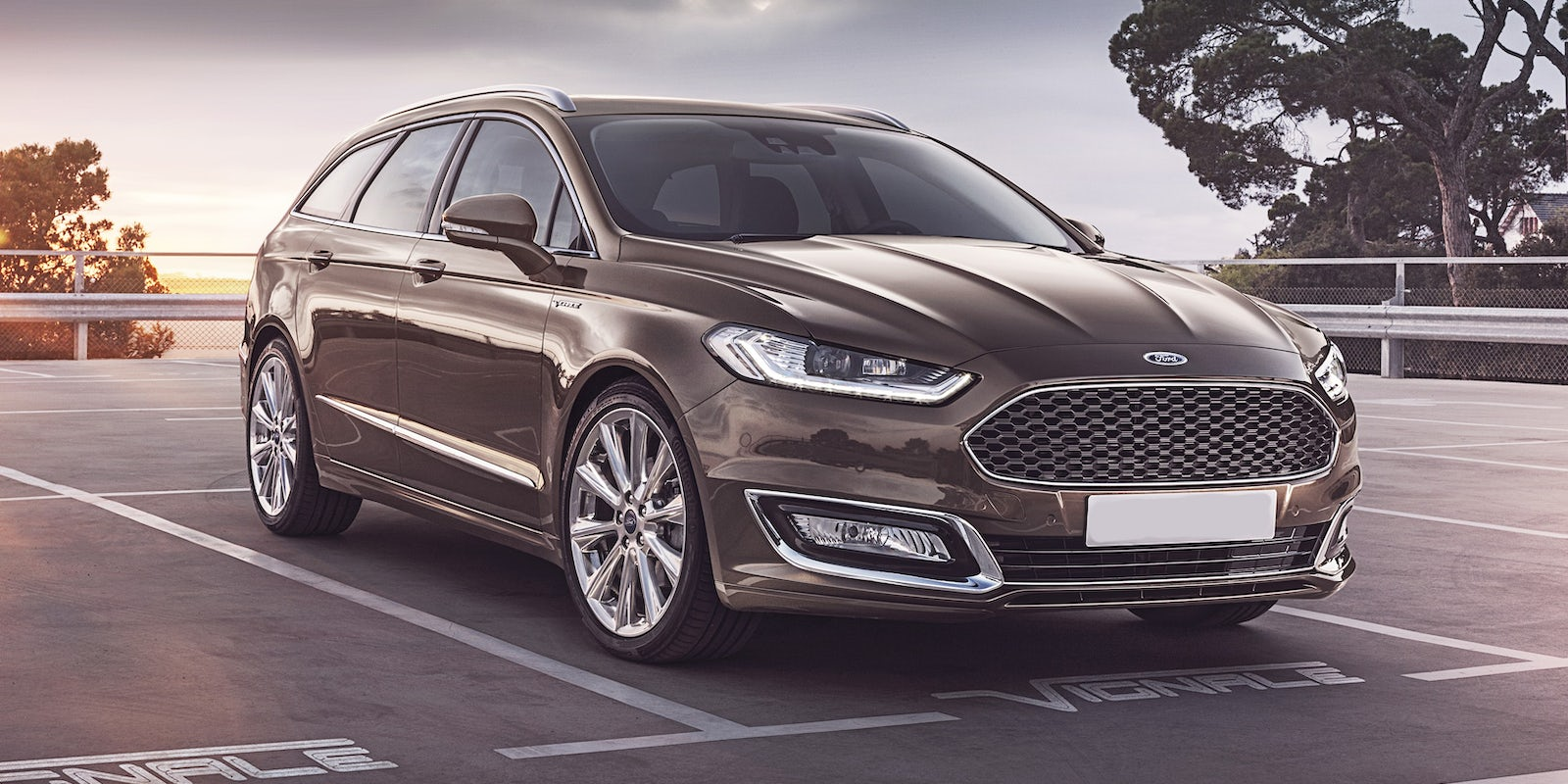 new ford mondeo vignale estate review carwow. Black Bedroom Furniture Sets. Home Design Ideas
