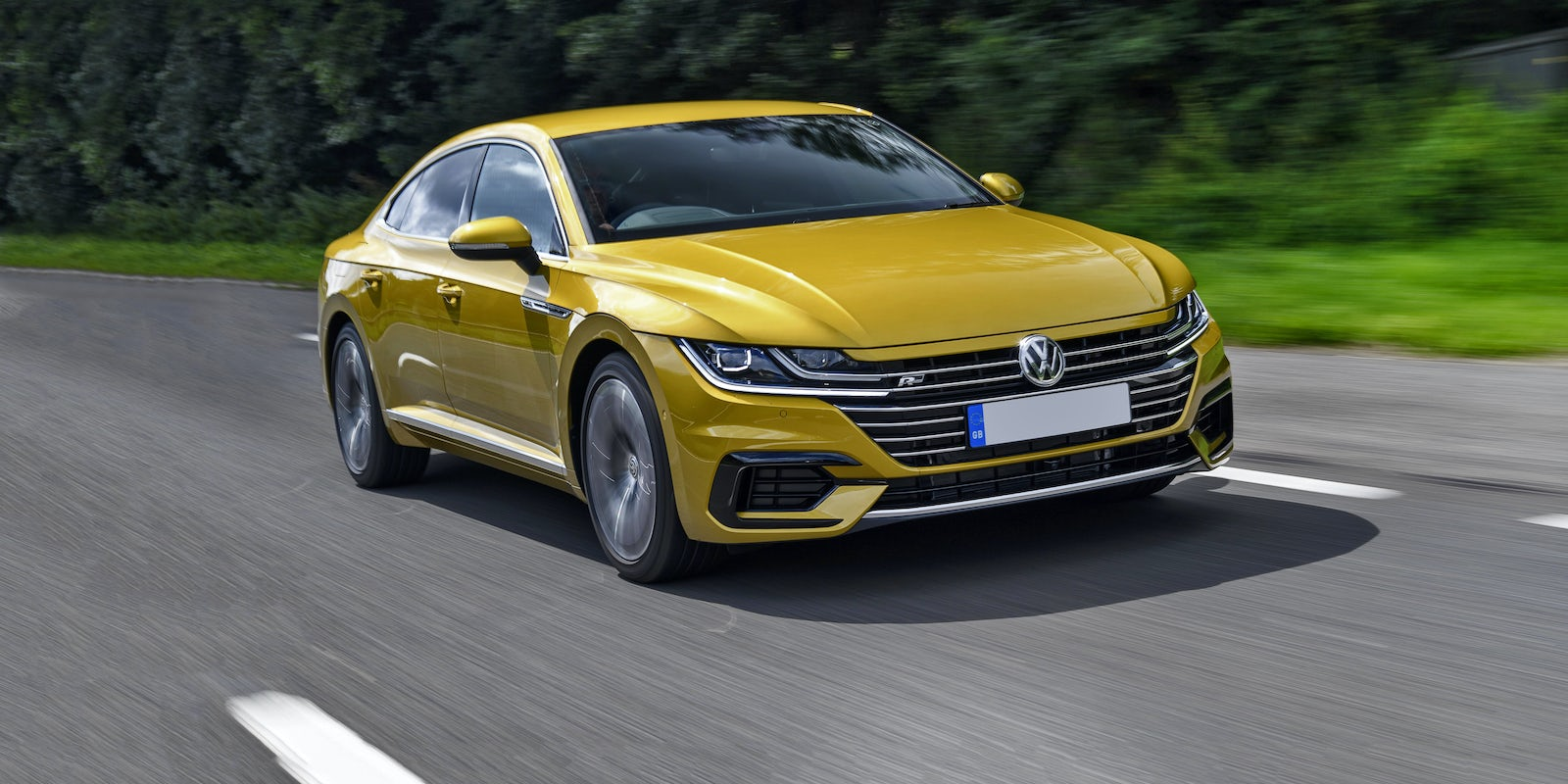 new volkswagen arteon review carwow. Black Bedroom Furniture Sets. Home Design Ideas