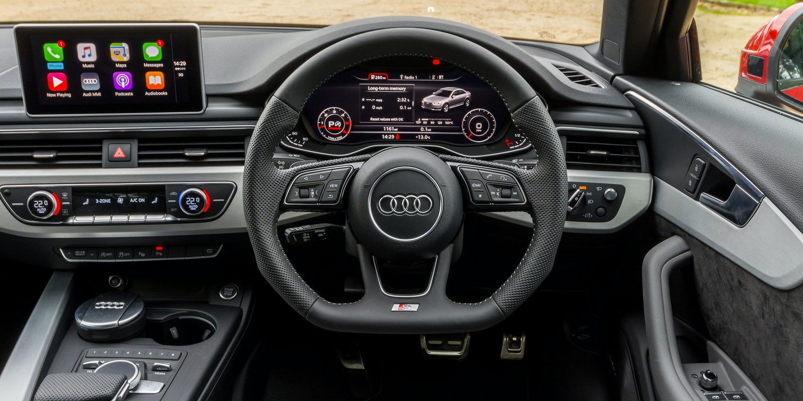 Audi A4 interior and infotainment | carwow