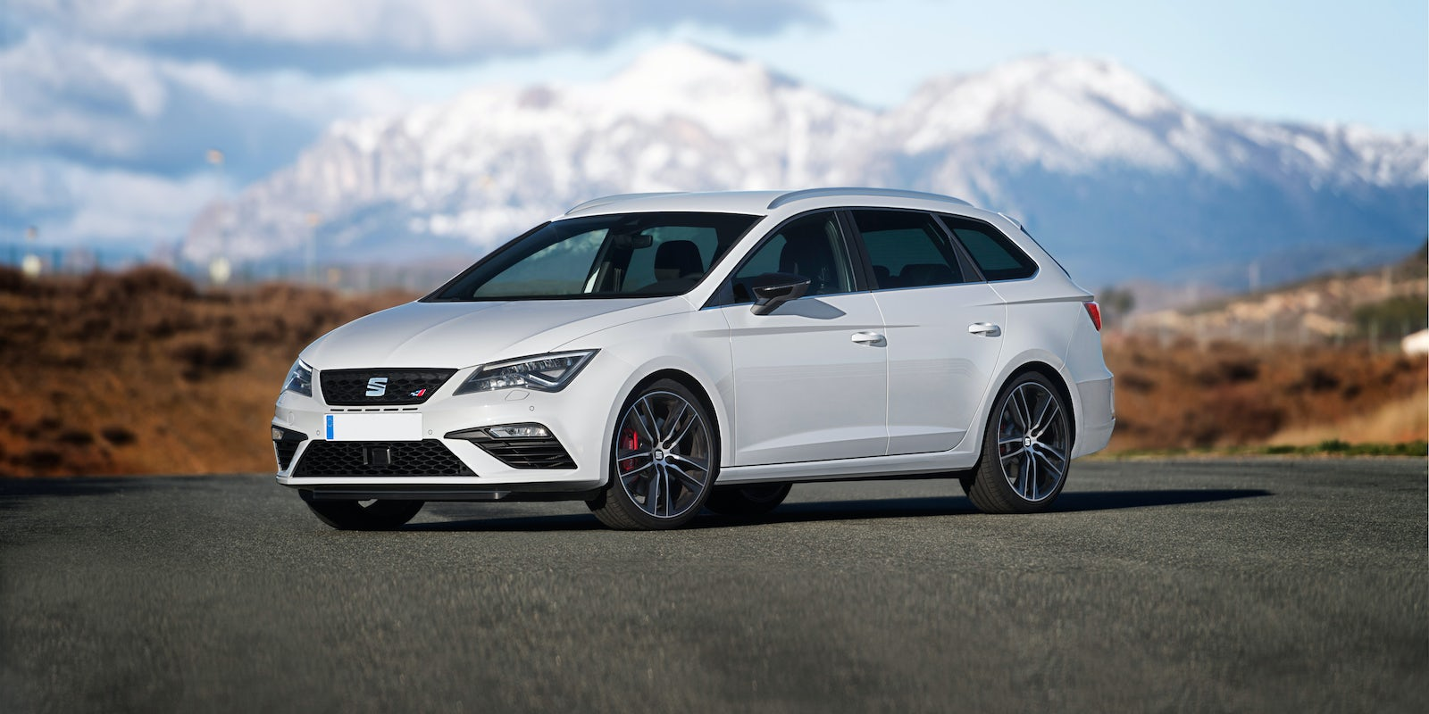 seat leon cupra st review carwow. Black Bedroom Furniture Sets. Home Design Ideas