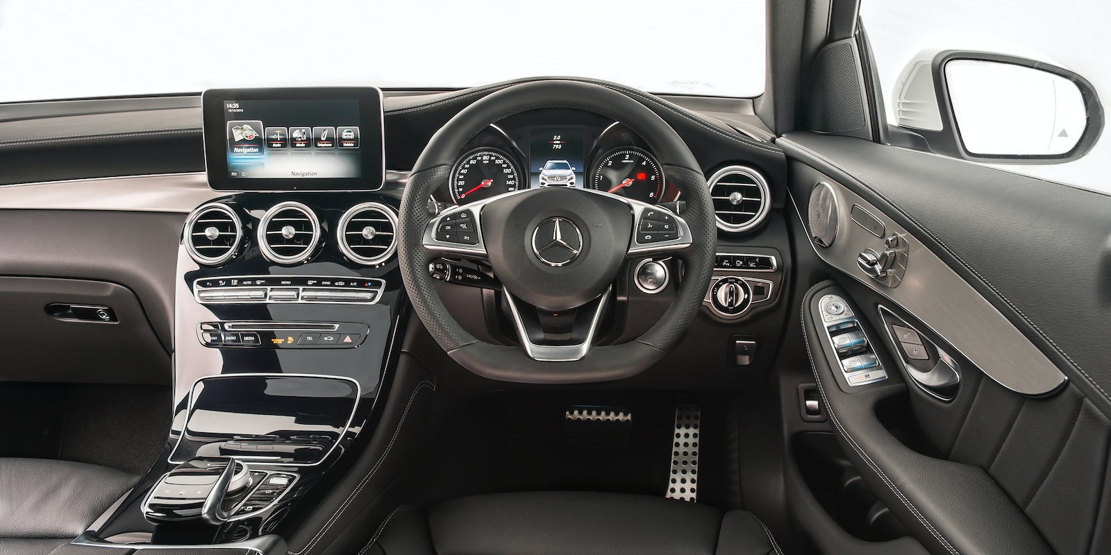 mercedes glc review carwow. Black Bedroom Furniture Sets. Home Design Ideas