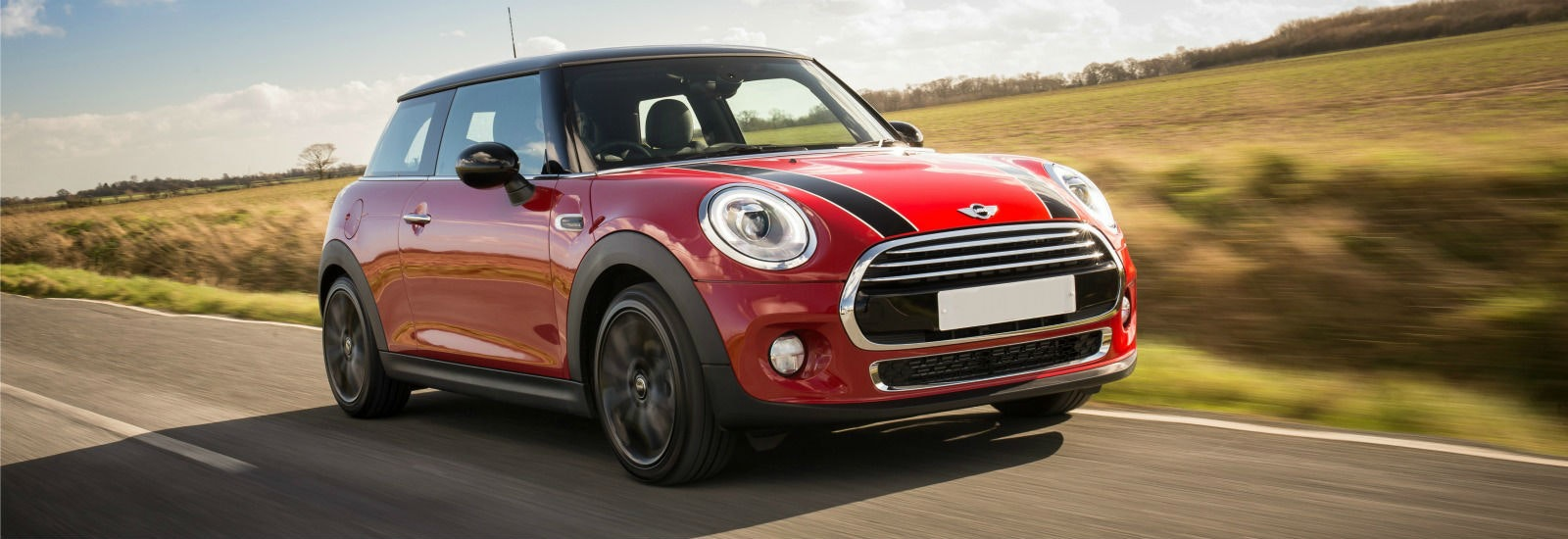 2018 mini hatch red driving front