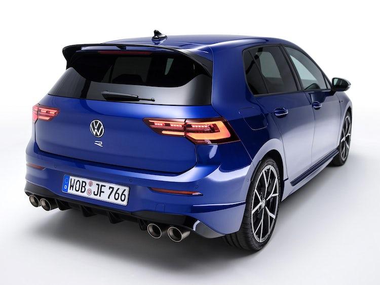 vw-golf-r-blue-parked-rear-1.jpg?auto=format&cs=tinysrgb&fit=clip&ixlib=rb-1.1.0&q=60&w=750